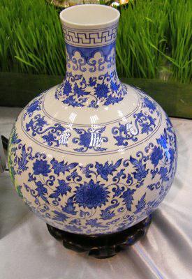 HTPC umiestnené do vázy